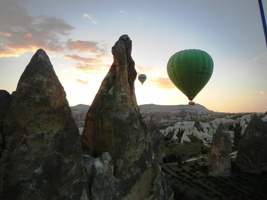 Royal Balloon - Cappadocia: Balloons and fairy castles