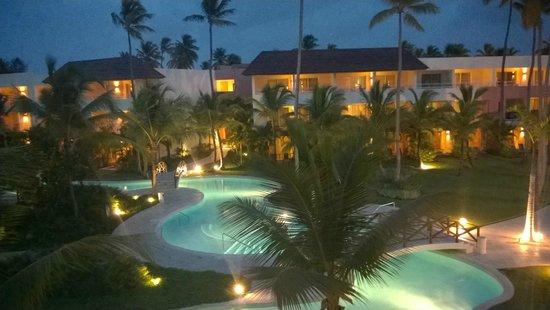 Secrets Royal Beach Punta Cana: At night