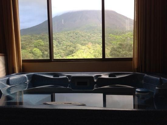 Arenal Kioro Suites & Spa: вид из джакузи!!!