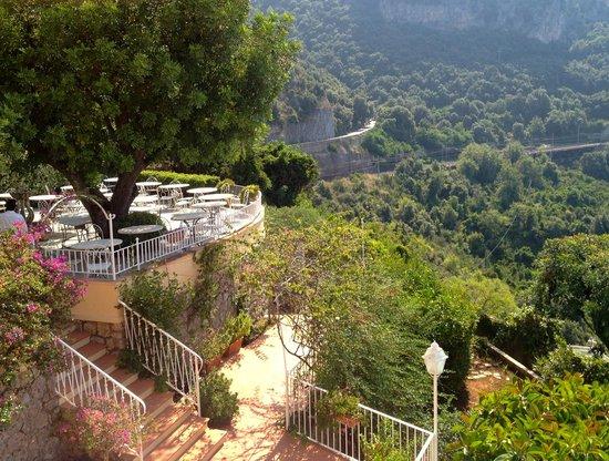Romantic Hotel & Restaurant Villa Cheta Elite: Terrazza cena e pranzo all'aperto