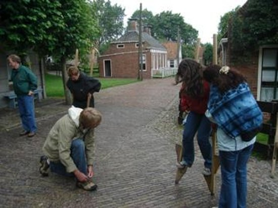 Zuiderzee Museum (Zuiderzeemuseum): NO MUSEU,  BRINCADEIRAS  NÃO TEM IDADE