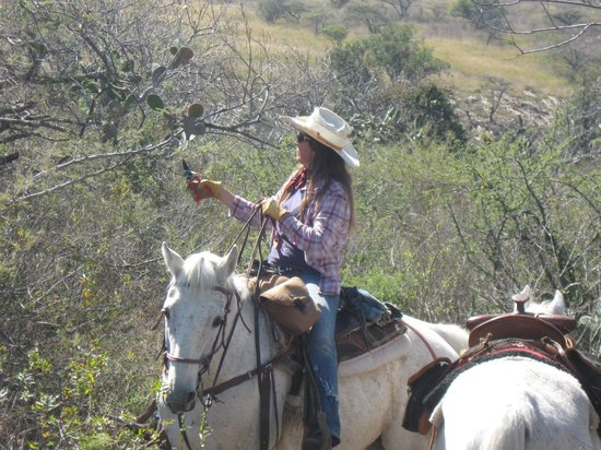 Hacienda de Taos: Celina clearing some of our trails