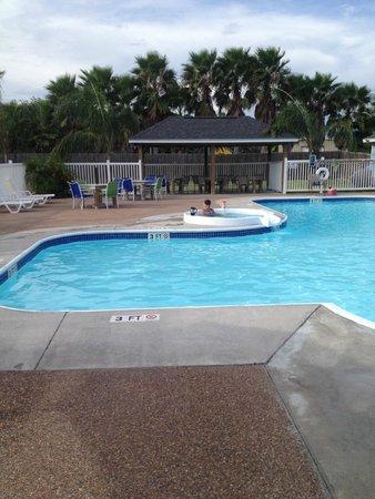 Drifters Resort : Pool