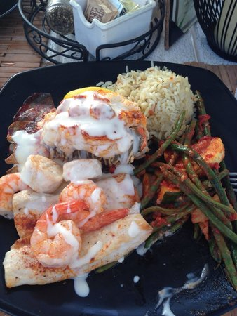 Snook's Bayside Restaurant: Great food and service!   Love sunset!