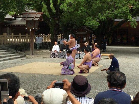 Atsuta Jingu Shrine: Sumo blessing
