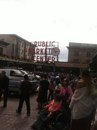 Pike Place Market : One of the entrances.