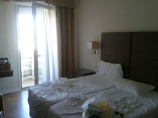 National Hotel : Bed