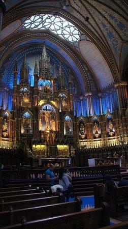 Notre-Dame de Montréal: The Inside (without Flash)