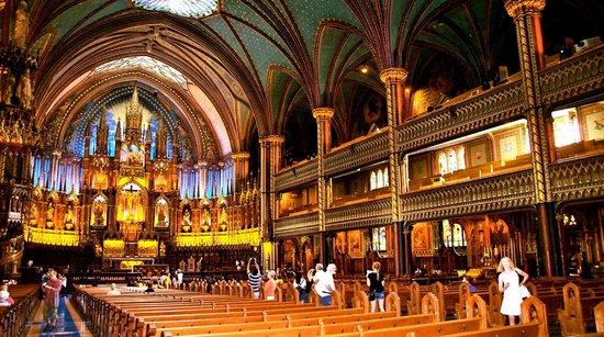 Notre-Dame de Montréal: The Inside (with Flash)