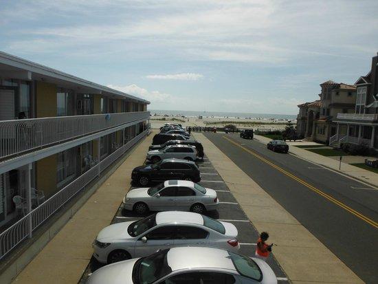 Villa Nova Motel: view from balcony (side)