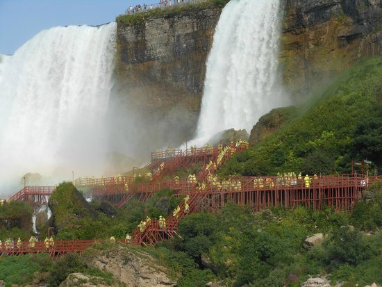 Niagara Scenic Tours: The Cave of the Winds at the Bridal Falls