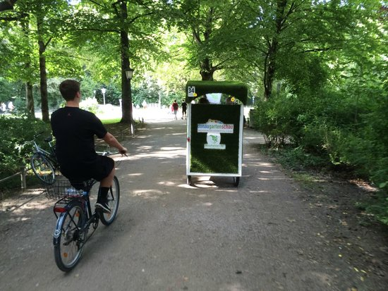 Mike's Bike Tours : Riding in the Gardens