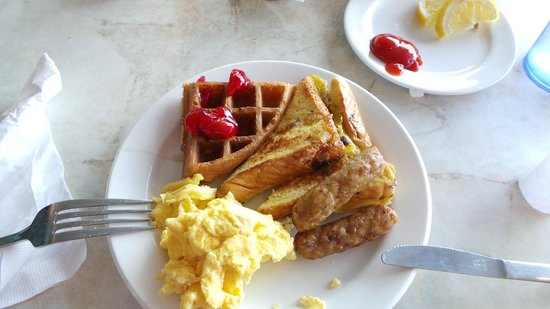 Best Western Plus Sandcastle Beachfront Hotel: breakfast choice