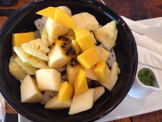 ARTillery : Fruit salad - bananas, dragon fruit, apples, mango with passionfruit :)