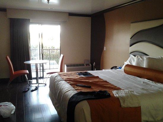 Redondo Pier Inn : room with balcony