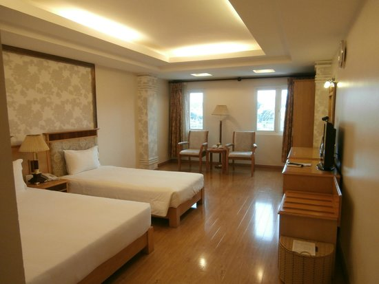 Silverland Central Hotel and Spa: quiet 3rd floor room