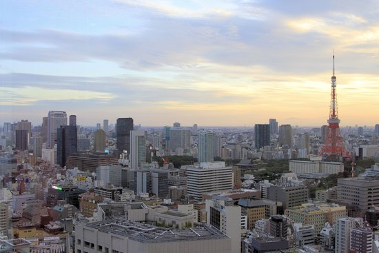 Park Hotel Tokyo: View from 28th Floor Park Hotel sunset.
