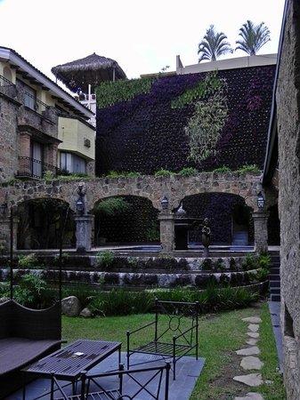 Quinta Real Guadalajara: Hotel Grounds