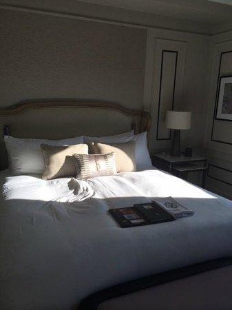 Fairmont Le Chateau Frontenac: une chambre agréable, bruyante néanmoins...