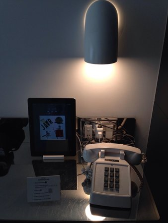Hotel Americano: Your own iPad for in room music!