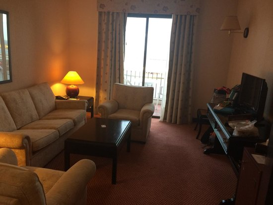 Hotel Acores Atlantico: Living room in suite
