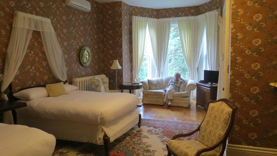 Queen Anne Inn: room #1