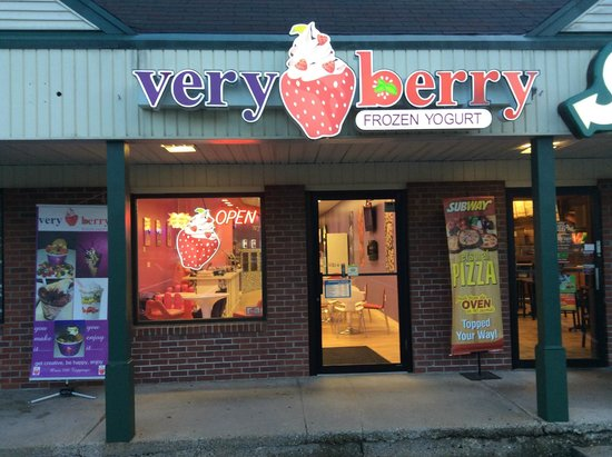 Belchertown, Массачусетс: Very Berry Frozen Yogurt