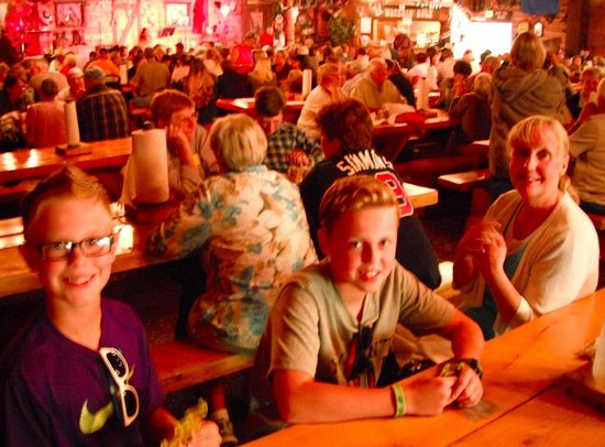 Bar J Chuckwagon Suppers: Delightful for the Whole Family
