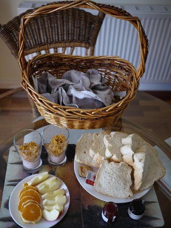 Taras Richmond Farmstay: breakfast