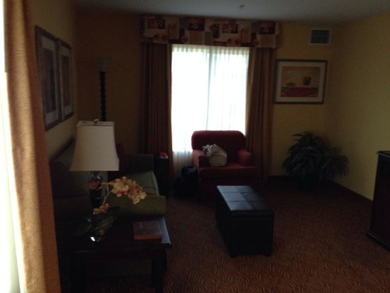 Homewood Suites by Hilton Fort Collins: Front room area