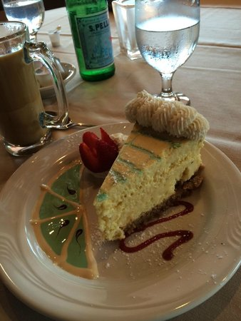 Sunset Grill Incorporated: Key Lime Pie - Extremely good and beautifully plated!