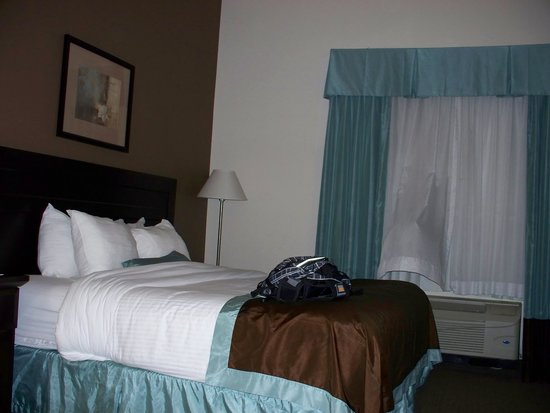 Holiday Inn Express & Suites Mobile West I-10 : First floor room