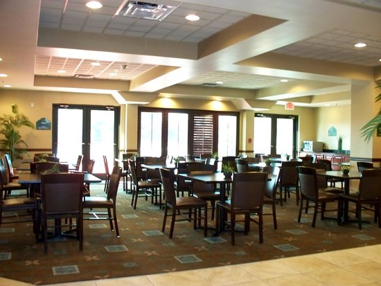 Holiday Inn Express & Suites Mobile West I-10 : Breakfast area