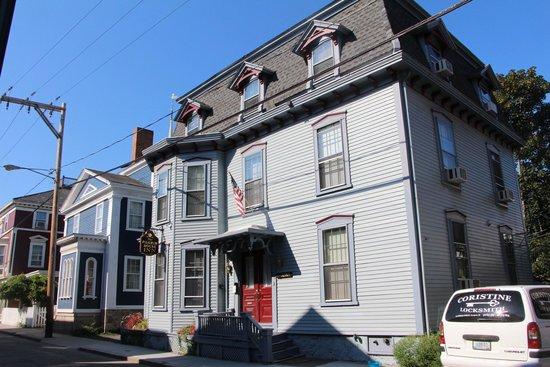 Pilgrim House Inn: Exterior
