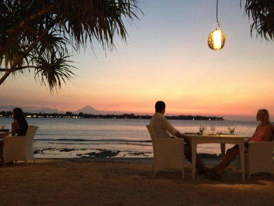 MAHAMAYA Gili Meno : Sunseet dining by Mahamaya beach