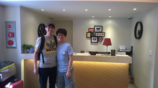 Uniqstay Hostel & Suite: Me and Mr Jay, Owner/GM  of Uniqstay