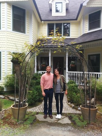 Wildwood Manor Bed and Breakfast: A beautiful and romantic getaway!