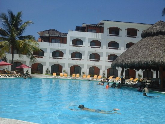 Plaza Pelicanos Club Beach Resort : alberca externa