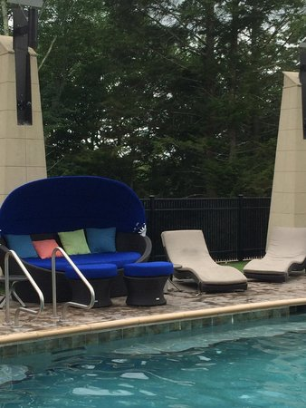 The Fox Tower at Foxwoods: Fabulous pool area