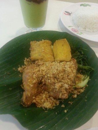 Photo of Indonesian Restaurant Ayam Penyet Ria (Level 4) at #04-25/26, Lucky Plaza, Singapore 238863, Singapore