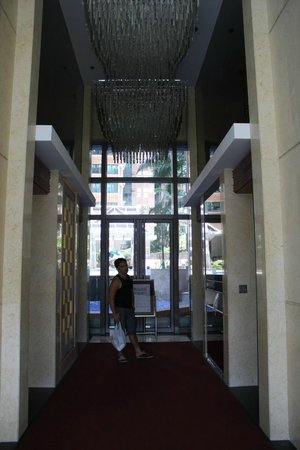 Rambler Oasis Hotel: Elevator area