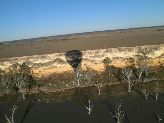 Barossa Balloon Adventures: Over the river near blanchtown