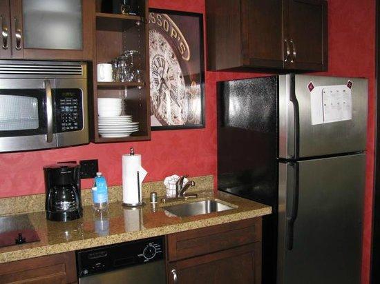 Residence Inn San Diego Downtown/Gaslamp Quarter: Full Kitchenette