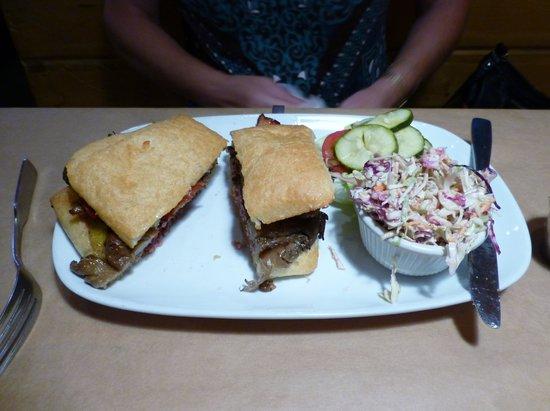 Floradora Saloon: hamburger