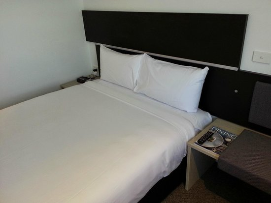 Ibis Adelaide: Bed