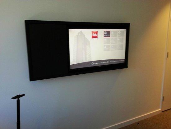 Ibis Adelaide: Samsung TV