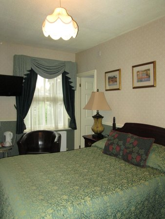 Beaufort Guest House: Room 9 With Double Bed, Private Bath