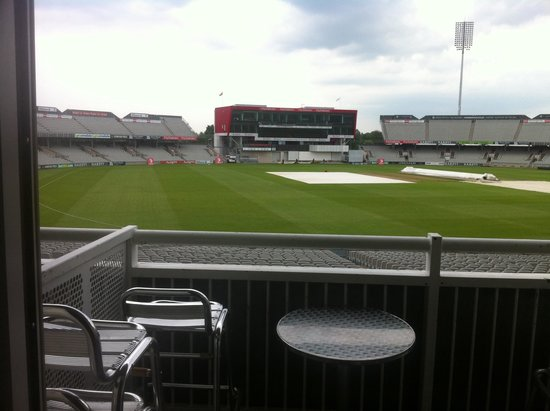 Old Trafford Lodge : Balcony view