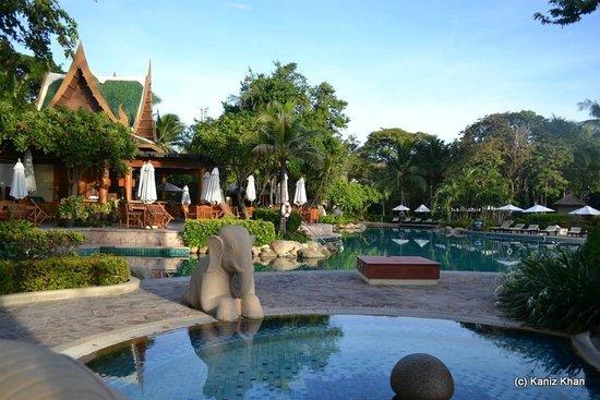 Hyatt Regency Hua Hin: Pool side