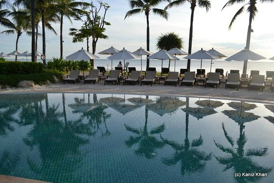 Hyatt Regency Hua Hin: Swimming Pool and Beach